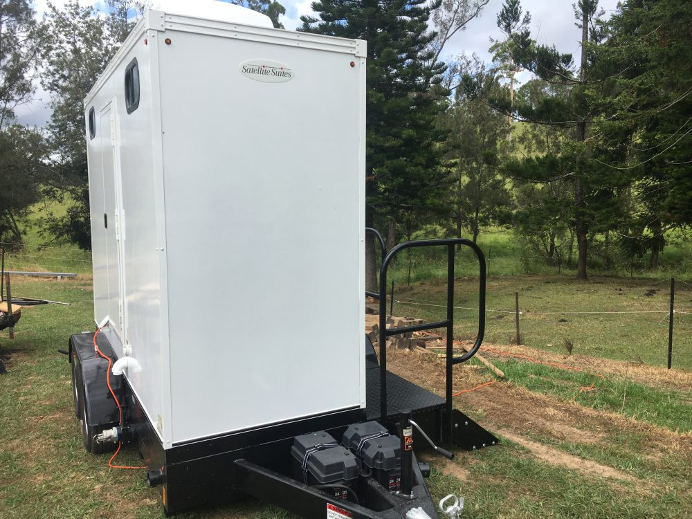 mobile toilet trailer - portable toilet